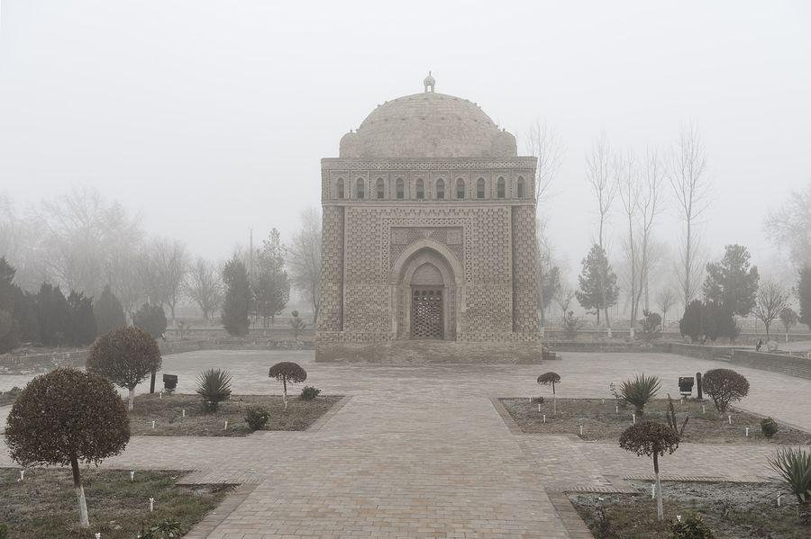 ©Анзор Бухарский. «Знаменитый мавзолей Саманидов в Бухаре»