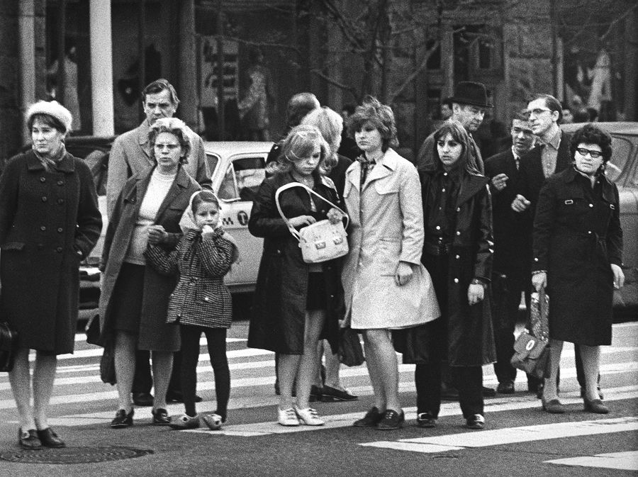 ©Дашевский Михаил Аронович. «У «Наташи», площадь Пушкина. 1970-е»