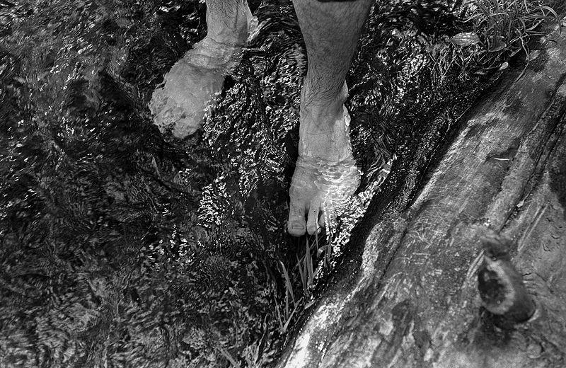 ©Дмитрий Черба. «Ноги художника (Мити Макарова). Тула. 2020»