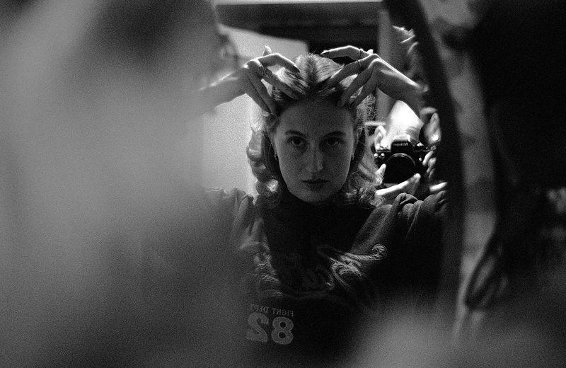 ©Дмитрий Черба. «Художница Рената Сафина в своей мастерской. Узловая. Тульская область. 2020»