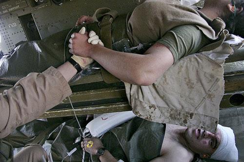 © Thomas Dworzak/Magnum, Ирак, Военно-полевой госпиталь, 2005