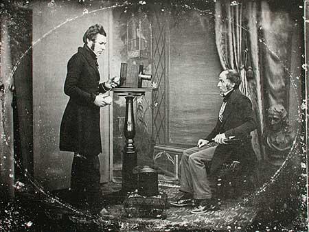 Неизвестный фотограф. Жабе Хогг фотографирует портрет в студии Ричарда Берда, 1843. Дагеротип. Коллекция Бокелберга, Гамбург.