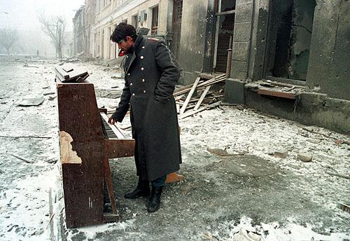 © Олег Никишин. Грозный, Чечня, 29 декабря 1994