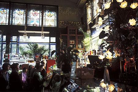 ©Николай Игнатьев. «Елисеевский магазин на Невском проспекте, С-Петербург»