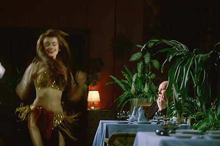 ©Николай Игнатьев. «Стриптиз в ночном клубе Екатеринбурга, 1995»