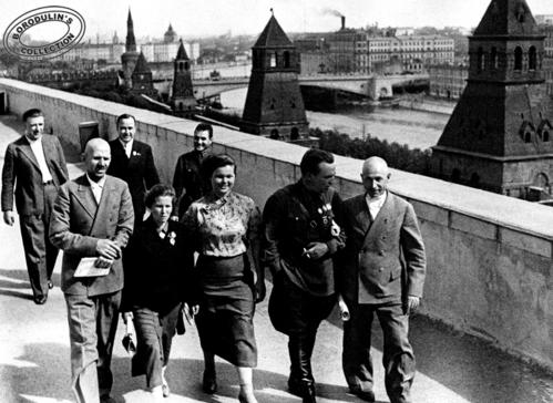 ©Иван Шагин. «Валерий Павлович Чкалов и его земляки в Кремле. Москва, 1938»