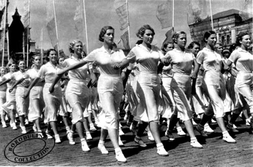 ©Иван Шагин. «На физкультурном параде. Москва, 1932»