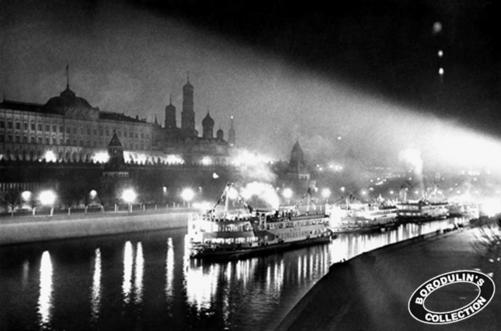 ©Иван Шагин. «Москва — порт пяти морей. 1937»