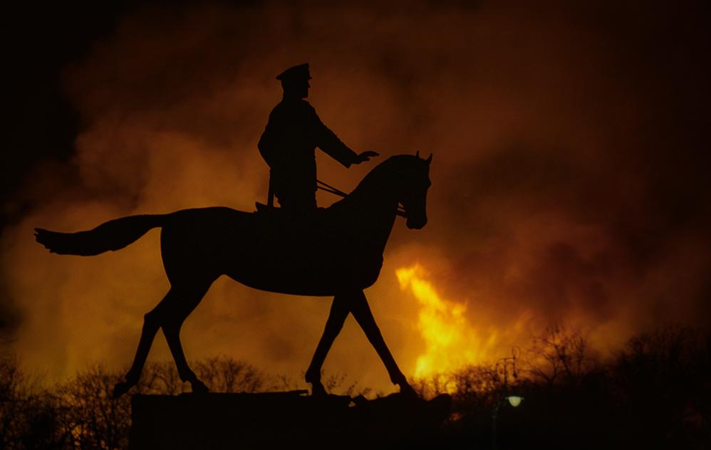 Артем Чернов. Артем Чернов. Пожар в Манеже, Москва, 2004