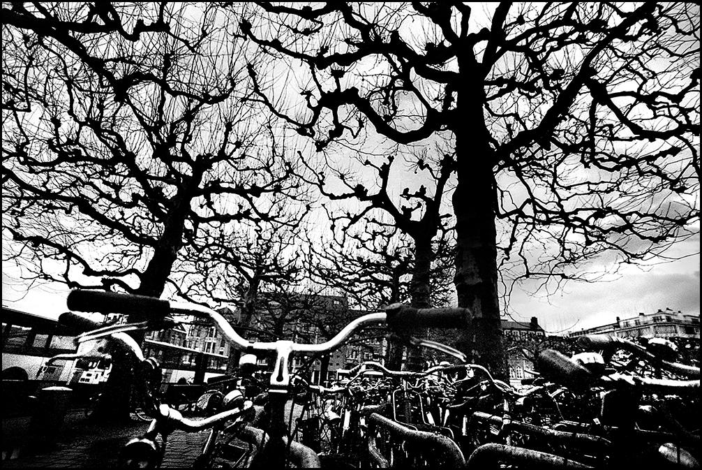 Артем Чернов. Артем Чернов. У вокзала, Гент, Бельгия, 2001