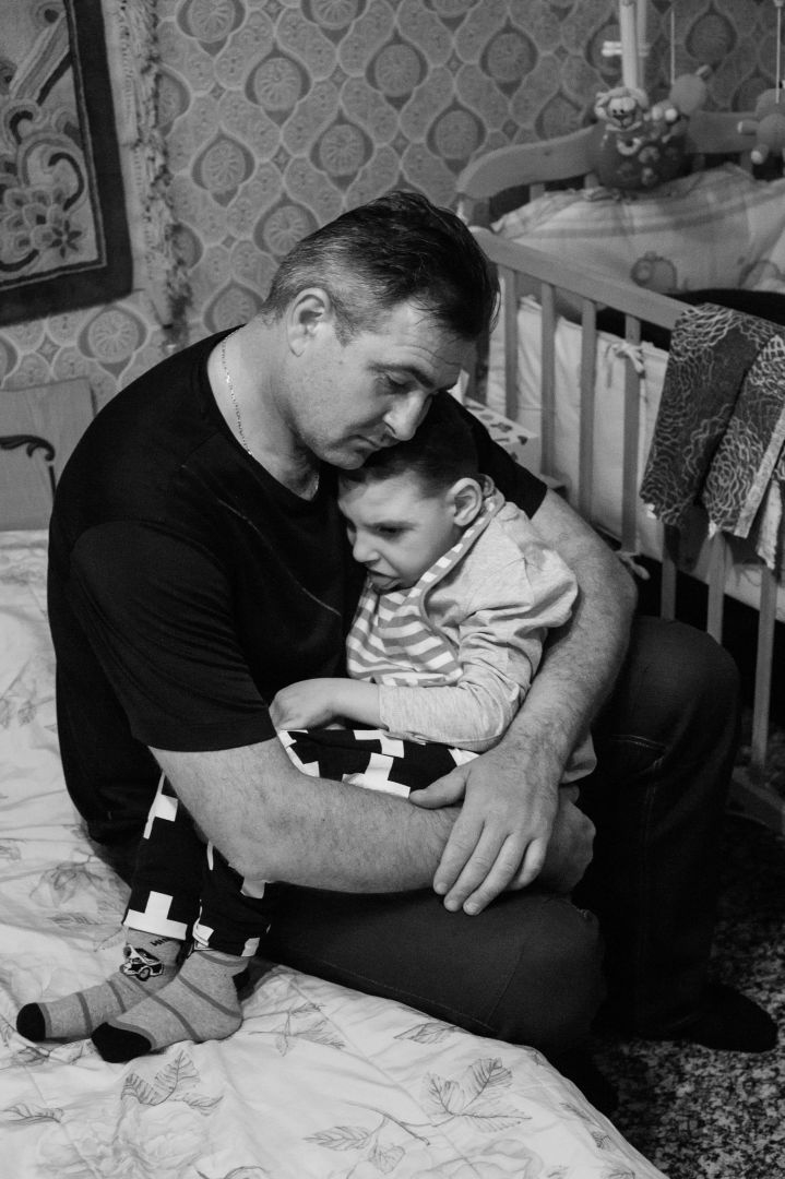 """Arik Shraga. """"Joint"""" Families: The Stories of Love. Danya and his father"""