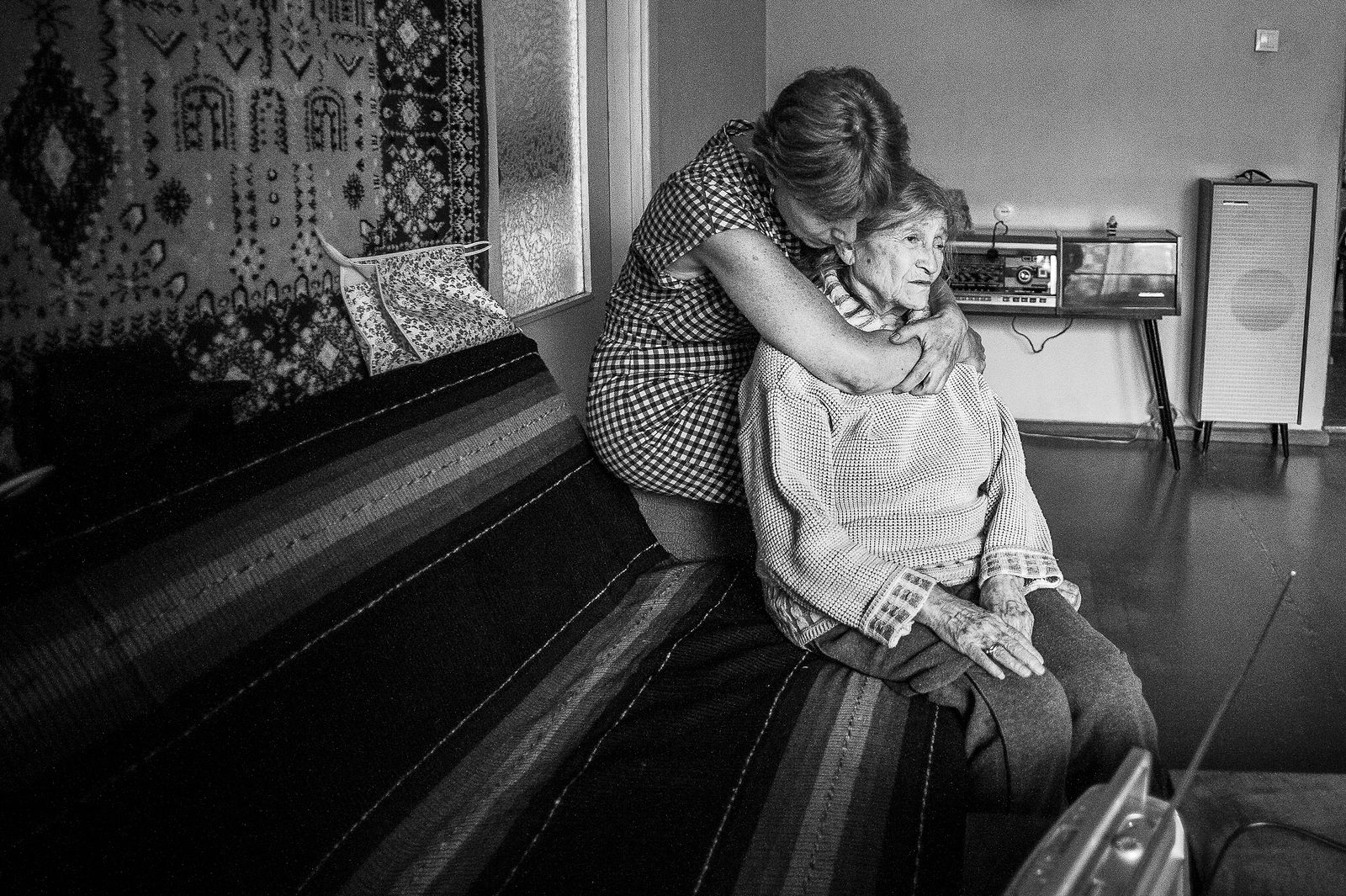 """Arik Shraga. """"Joint"""" Families: The Stories of Love. Riga. Nelli and her homecare worker"""