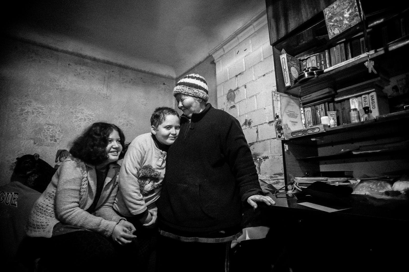"Arik Shraga. ""Joint"" Families: The Stories of Love. Makar family"