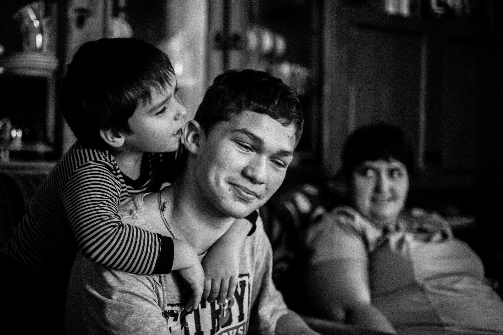 """Arik Shraga. """"Joint"""" Families: The Stories of Love. Minsk. Andrey and Maxim"""