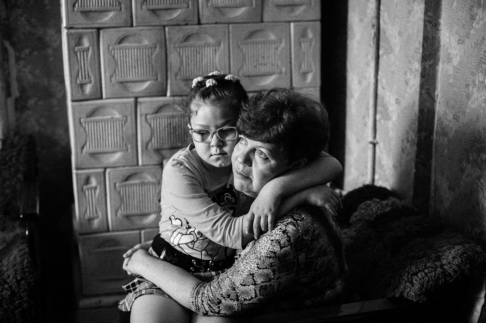 """Arik Shraga. """"Joint"""" Families: The Stories of Love. Lvov. Vera with her mother"""