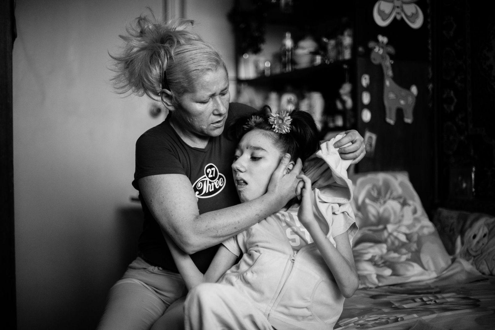 Arik Shraga. Central Ukraine. Masha and her mother