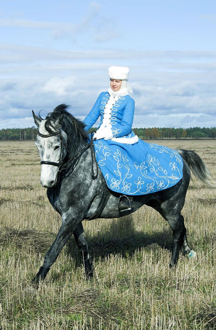 Игорь Нестеров. Конные охоты. Утро в голубом