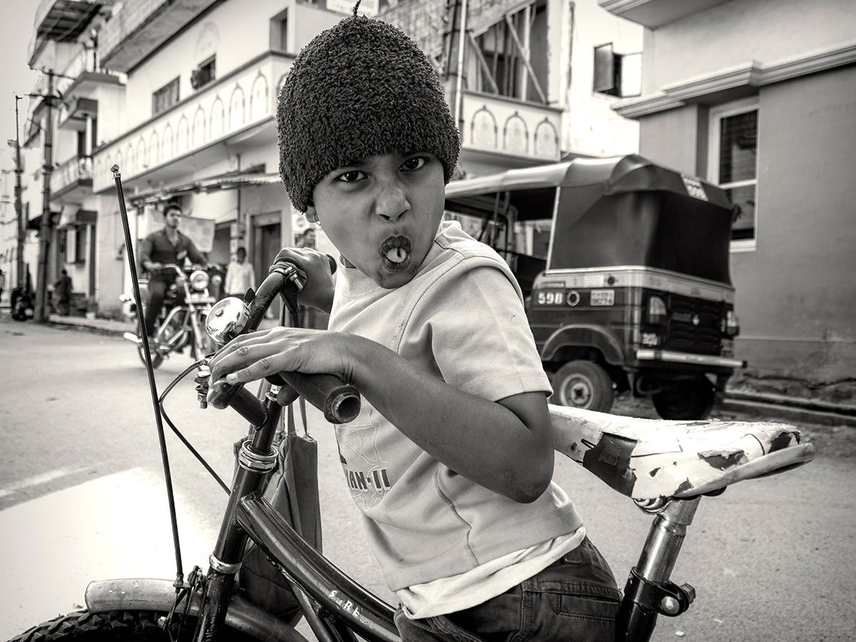 Ivan Aleshin. Мои автопортреты / Эффект наблюдателя. Без названия