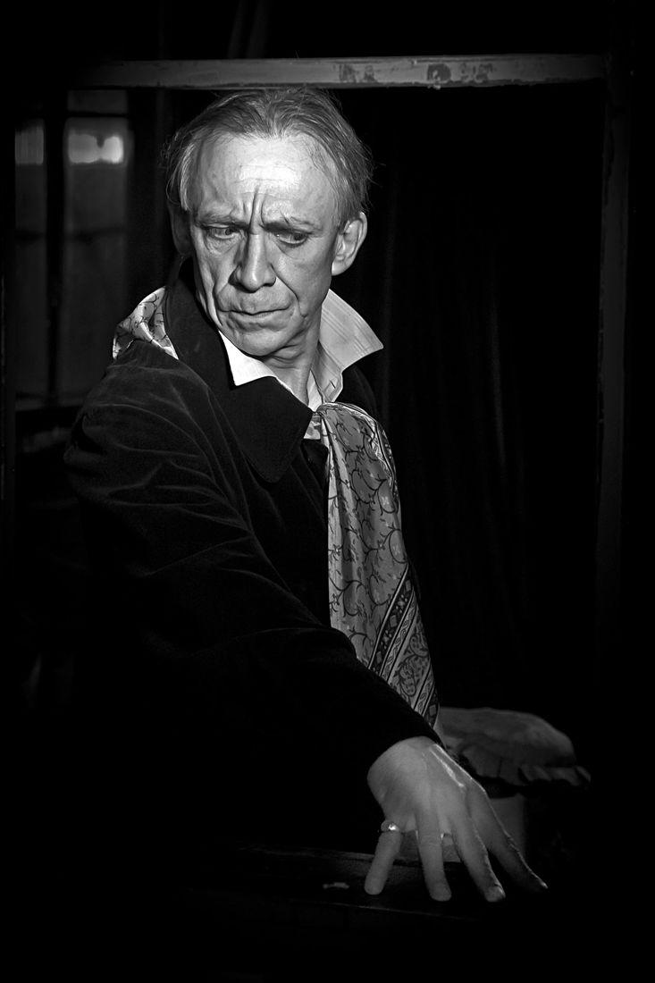 Dmitry Khovanskiy. Backstage portrait. Без названия
