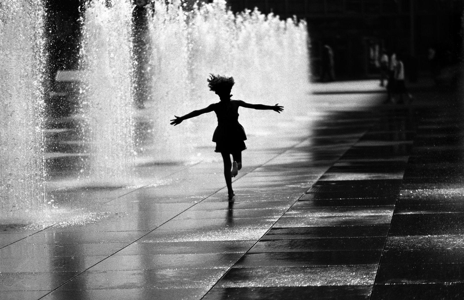 Eugene Safian. I like black and white, Dream in black and white, You like black and white, Run runaway. Без названия