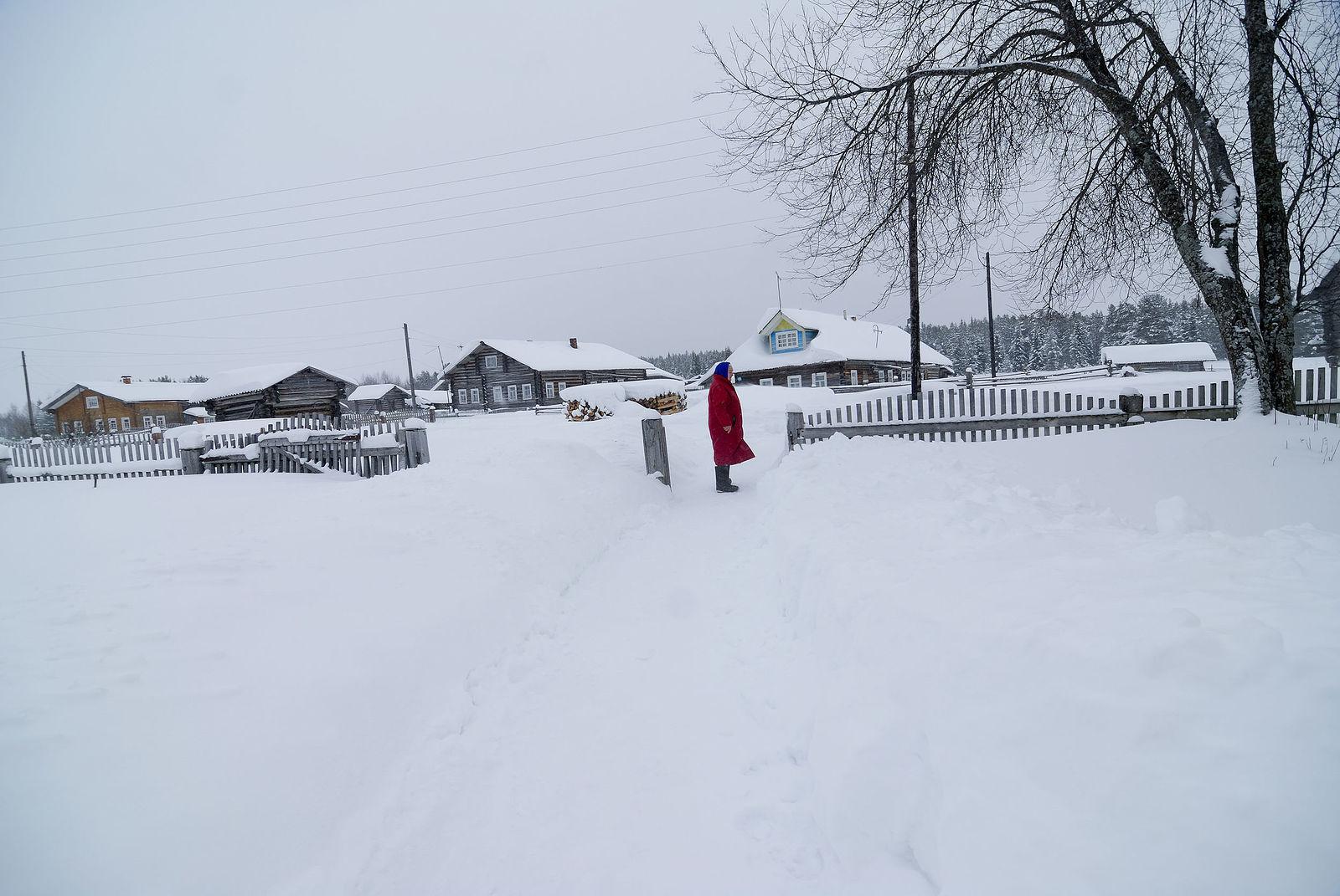 Arik Shraga. Neglected in the village. Rimma after snowstorm
