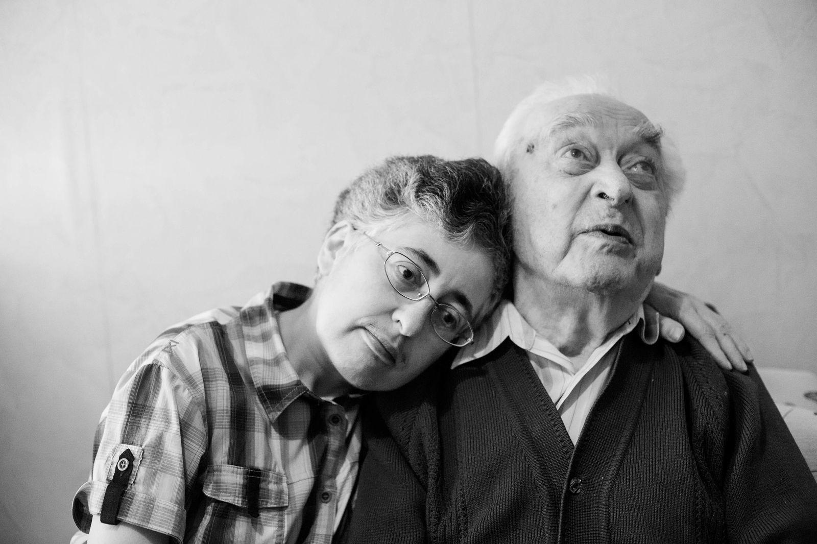 "Arik Shraga. ""Joint"" Families: The Stories of Love. Без названия"