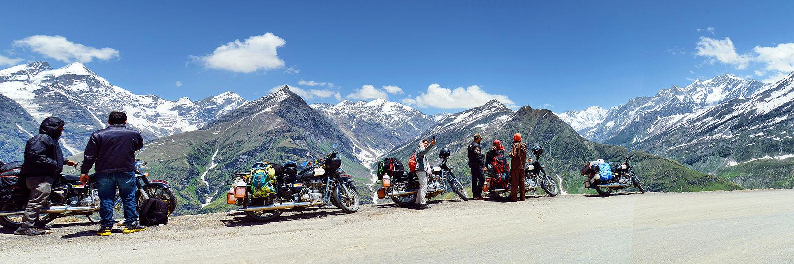 Ivan Aleshin. NH21 and other Himalayan Roads. 0003