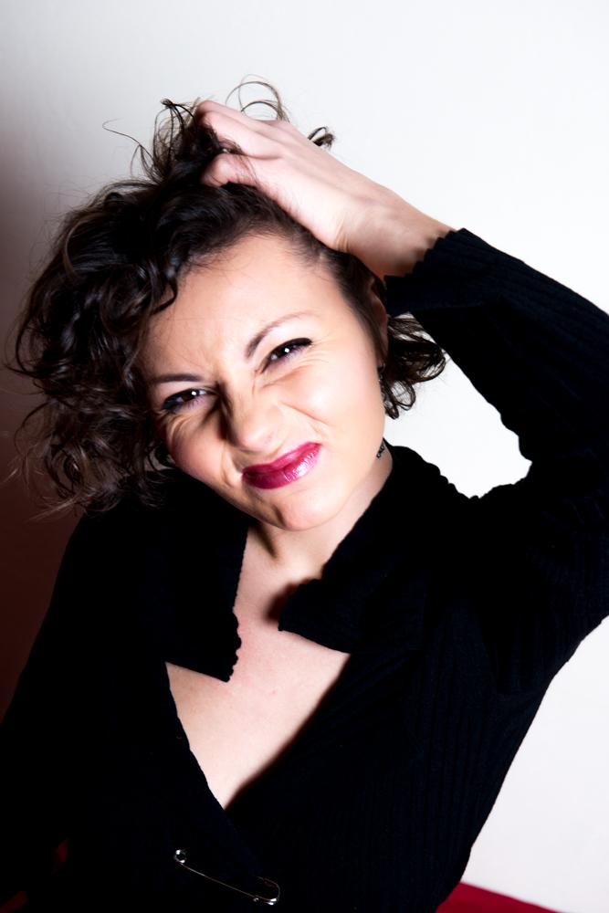 Екатерина Буракова-Шчекич. студийная съемка. Выходной. Останусь дома.